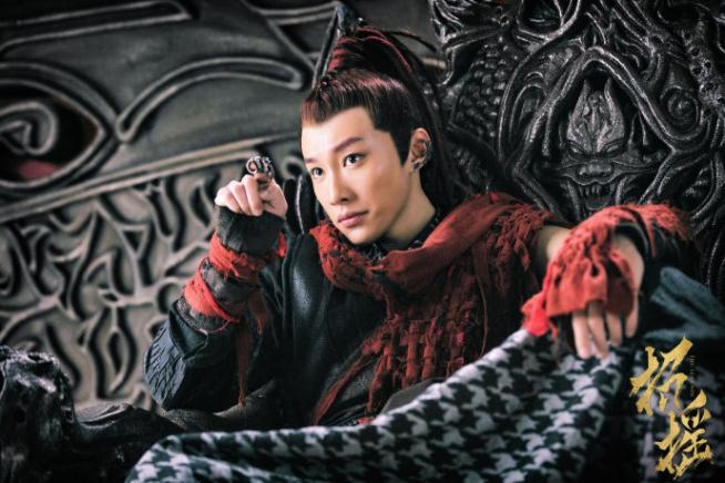 Jiang Wu on throne